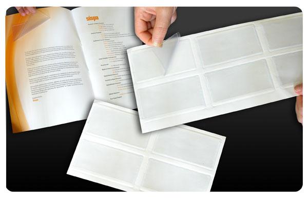 Kendinden yapışkanlı kartvizitlikler, katalog, broşür, dosya, klasör gibi ürünlere kartvizit iliştirmek için son derece pratik bir üründür.